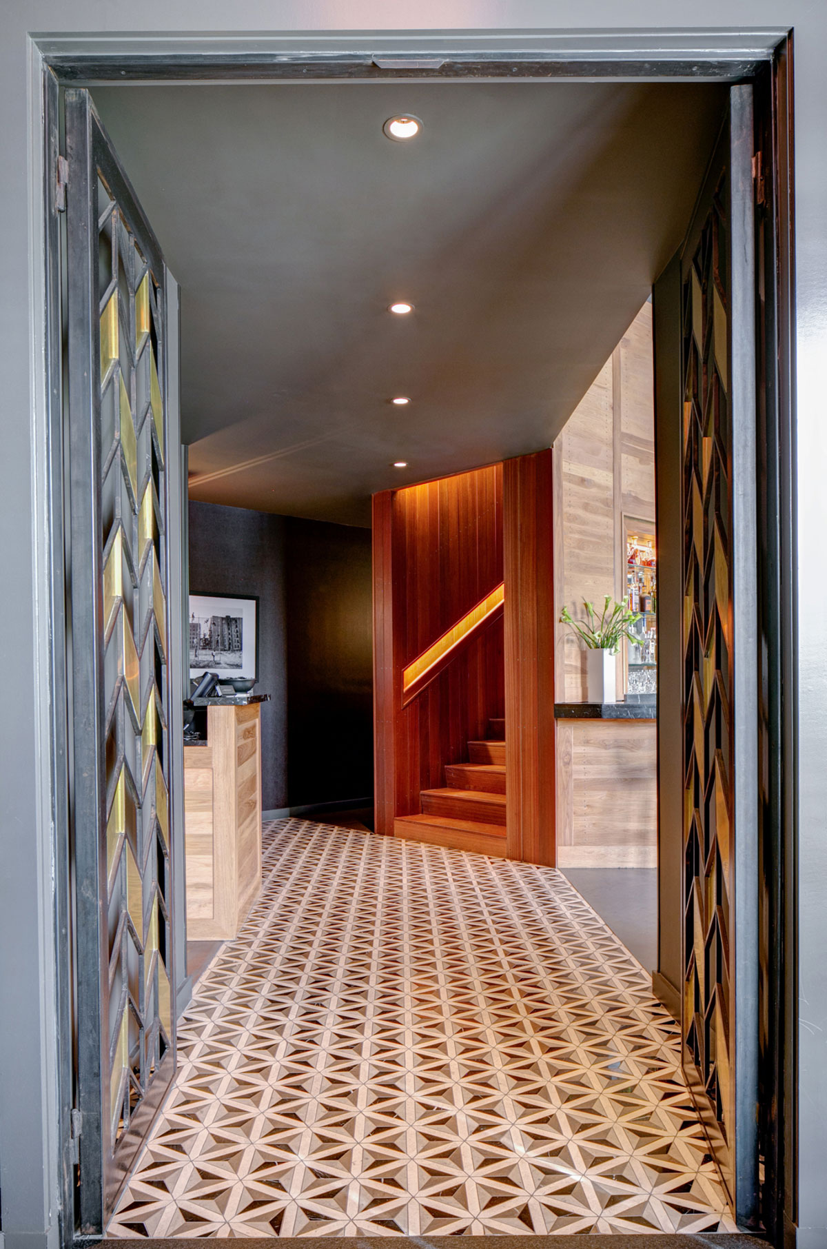 Entrance of the American Cut Bar & Grill project located at 495 Sylvan Avenue in Englewood Cliffs, New Jersey designed by the architecture studio Danny Forster & Architecture