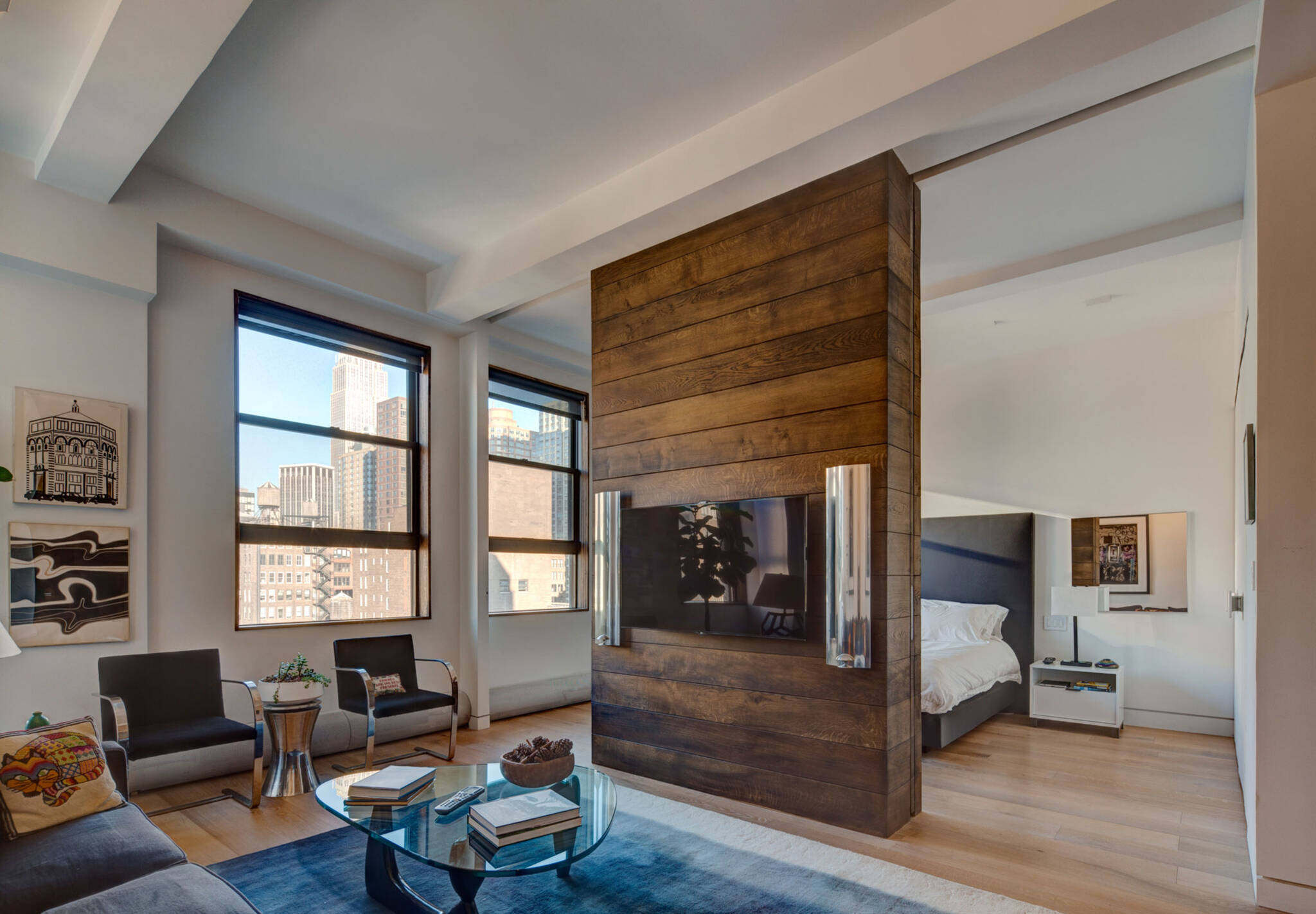 Open space of the residence renovation project in the Chelsea Mews building on the Flatiron District in Manhattan, New York City designed by the architecture studio Danny Forster & Architecture