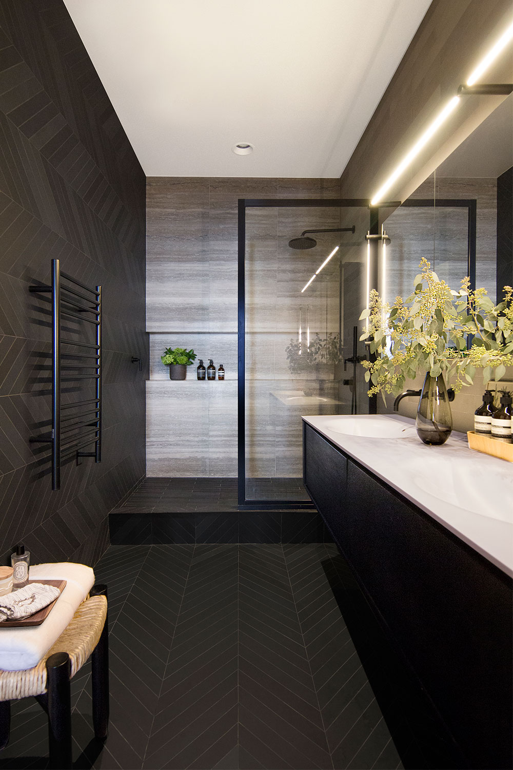 Master bathroom of the Loft renovation project in Chelsea, New York City designed by the architecture studio Danny Forster & Architecture